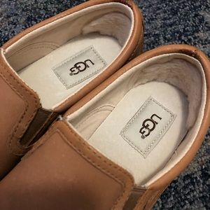 Uggs leather flats